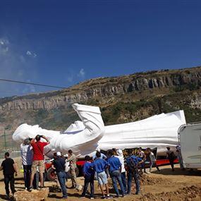رفع تمثال للقديس شربل بطول 16 مترا في أعالي حمانا