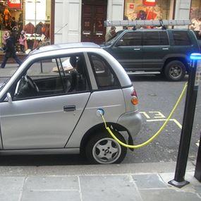 """فرنسا بدون """"سيارات البنزين"""" بحلول 2040"""
