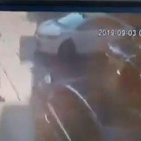 دهسها أثناء عبورها الطريق في الأشرفية فتوفيت على الفور.. (فيديو)