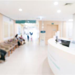 اختلاس وايصالات وهمية لتغيير أسماء الموتى في احدى المستشفيات!