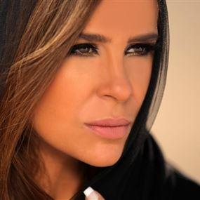 كارول سماحة أول فنانة عربية تعلّق على قرار ترامب