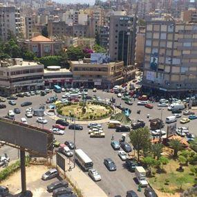 بلدية طرابلس تمنع تعليق الصور واللافتات