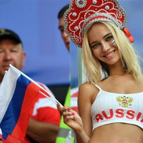 الفيفا يريد منع بث صور قريبة للحسناوات خلال مباريات المونديال