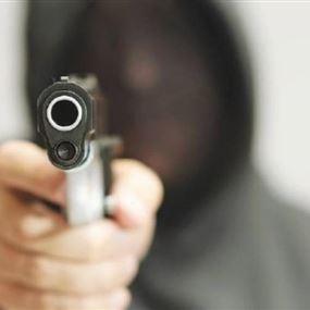 خلال فض الإشكال.. أطلق النار عشوائياً وأصاب المُصلح!