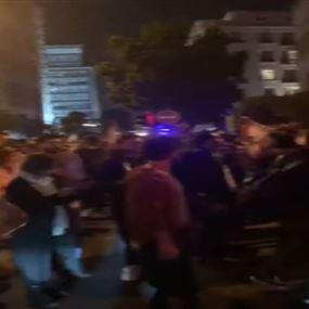 بالفيديو: وقفة احتجاجية امام منزل الحسن