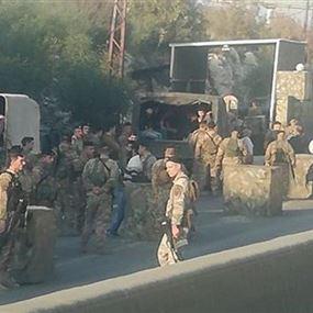 خلافا لما تردّد..  قيادة الجيش توضح ما يحدث على حاجز المدفون