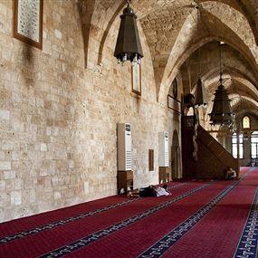 قاصر حاول قتل مصلّين بمسجد في طرابلس