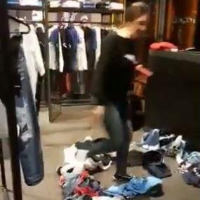 بالفيديو: اشكال داخل محل لبيع الثياب في بيروت.. ماذا تقول الزبونة؟