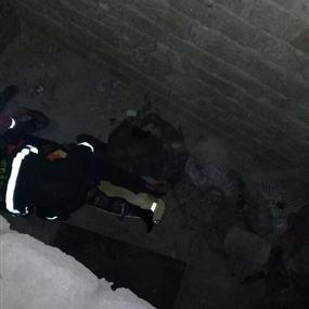 بالصور: سقوط رجل عن ارتفاع شاهق داخل منزل أثري في جبيل