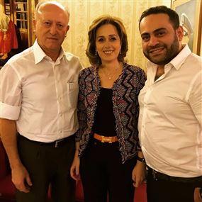 نبيل الرفاعي ينشر صورة مع اللواء ريفي وزوجته.. وصلت؟