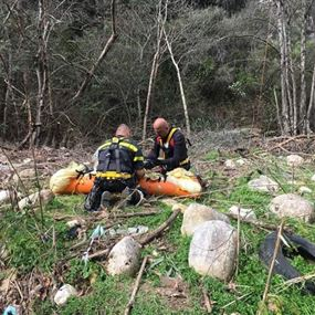 بالصور والفيديو: لمن تعود الجثة التي انتُشلت من اسفل وادي بسري؟