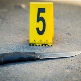 تنكر بزي امرأة وطعن زوجته وأم اطفاله الثلاثة 6 طعنات بالسكين!