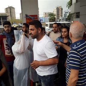 الإفراج عن 10 موقوفين من التظاهرات في الجميزة وصربا