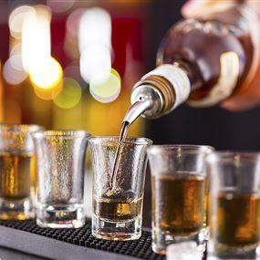قرار بلدي بمنع المشروبات الروحية في المقاهي والأماكن العامة
