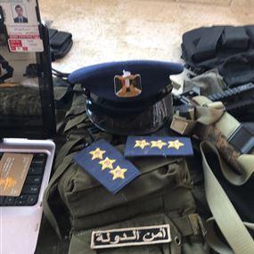 بالصور.. توقيف شخص وضبط أسلحة وذخائر وأجهزة مخبرية