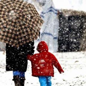 بسبب العاصفة.. قرارٌ من وزير التربية بشأن المدارس