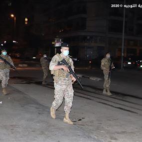 دوريات راجلة للجيش في الحدت ونداء الى الاهالي لالتزام المنازل