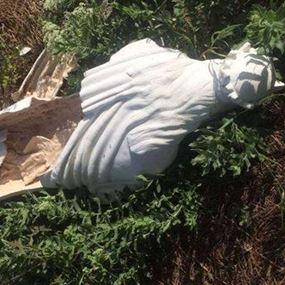 بالصور: الاعتداء على تمثال مار الياس في عيناب