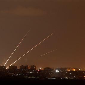 إطلاق 5 صواريخ باتجاه إسرائيل