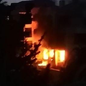 حالات إختناق جراء حريق مستودع فيلا في كسروان