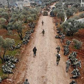 مقتل 34 جنديا تركيا في إدلب.. وأردوغان يستنفر