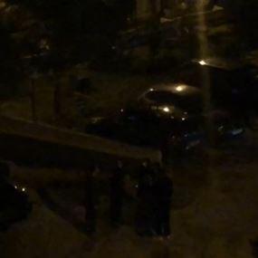 بالفيديو: شجار بين شرطة البلدية ومصاب بكورونا