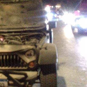 اخماد حريق داخل سيارة رباعية الدفع في عشقوت