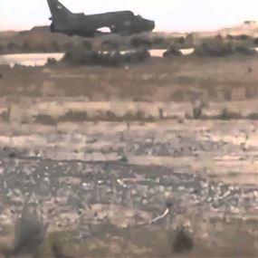 استهداف مطار التيفور العسكري بصواريخ يعتقد أنها أميركية!