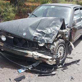 جرحى نتيجة اصطدام وقع بين شاحنة عسكرية وسيارة مدنية