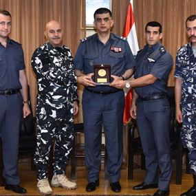 بعد نتائجه المشرّفة.. فريق الألعاب القتالية يزور اللواء عثمان