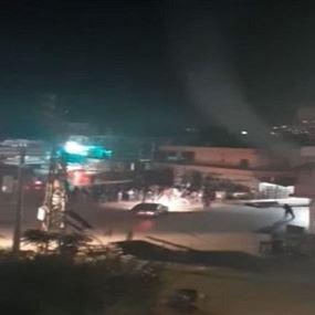 توتّر وإطلاق نار خلال تفرقة المتظاهرين في ساحة العبدة (فيديو)