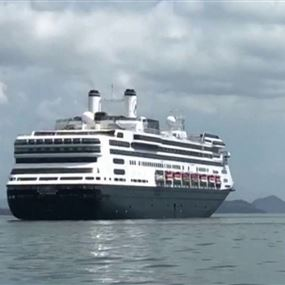 وفاة 4 ركاب على سفينة سياحية اجتاحها كورونا