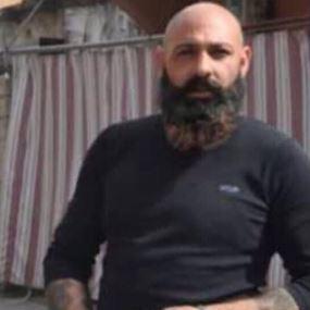 بالفيديو: تاجر مخدرات يُشعل ليل مدينة صور