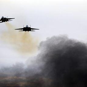 هآرتس: إسرائيل استهدفت خط إمداد حزب الله بالأسلحة الإيرانية