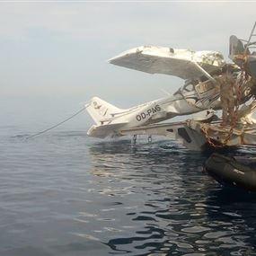 الجيش يسحب الطائرة المنكوبة التي سقطت الاربعاء الماضي