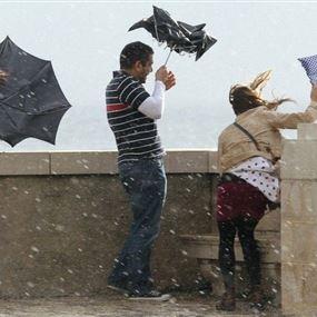 برق ورعد وأمطار غزيرة.. اليكم طقس عطلة الأسبوع