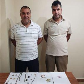 بالصور: إيرانيان سرقا محلاً للمجوهرات بطريقة احتيالية