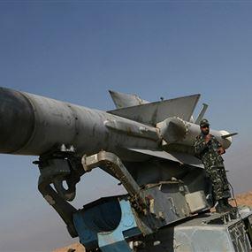 المضادات السورية تتصدى لسرب طائرات مسيرة غربي حماة
