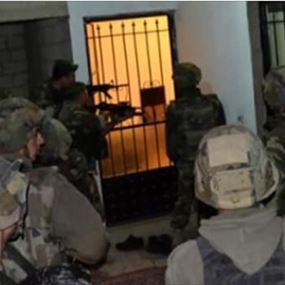 توقيف 14 سورياً في مداهمة للجيش