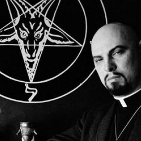 خطير ما قاله مؤسس كنيسة الشيطان عن هالووين!