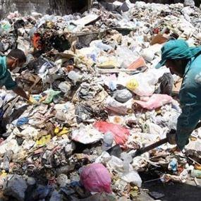 عثروا عليه جثة داخل غرفة قرب مكب النفايات