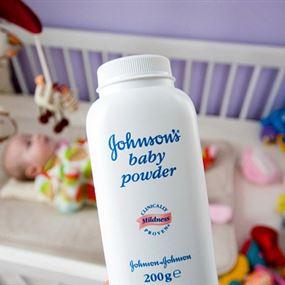 جونسون تعترف بمواد مسرطنة في منتجاتها