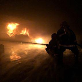 بالصور: حريق داخل ڤيلا في الرابية