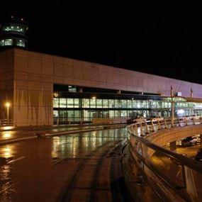 ما حقيقة وصول طائرات عسكرية إلى مطار بيروت؟