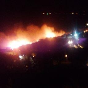 بالصور: بعد المشرف.. حريق ضخم في بريح الشوف