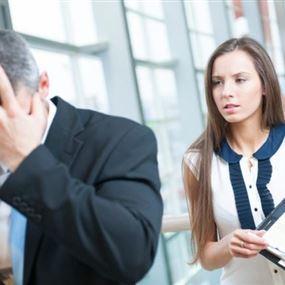 علامات تدل على أن رئيسك في العمل معجب بأدائك
