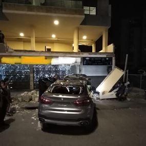 جريحان اثر سقوط سيارة من الطابق الأول