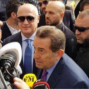 وقفة تضامنية مع الاعلامي مارسيل غانم امام قصر العدل