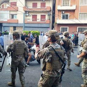 إصابة 10 عسكريين خلال احتجاجات طرابلس