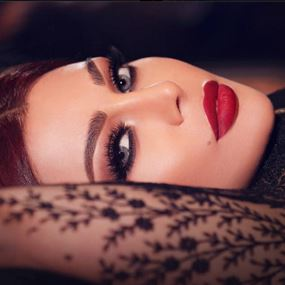 هيفاء وهبي  بين أجمل 10 مغنيات عالمياً